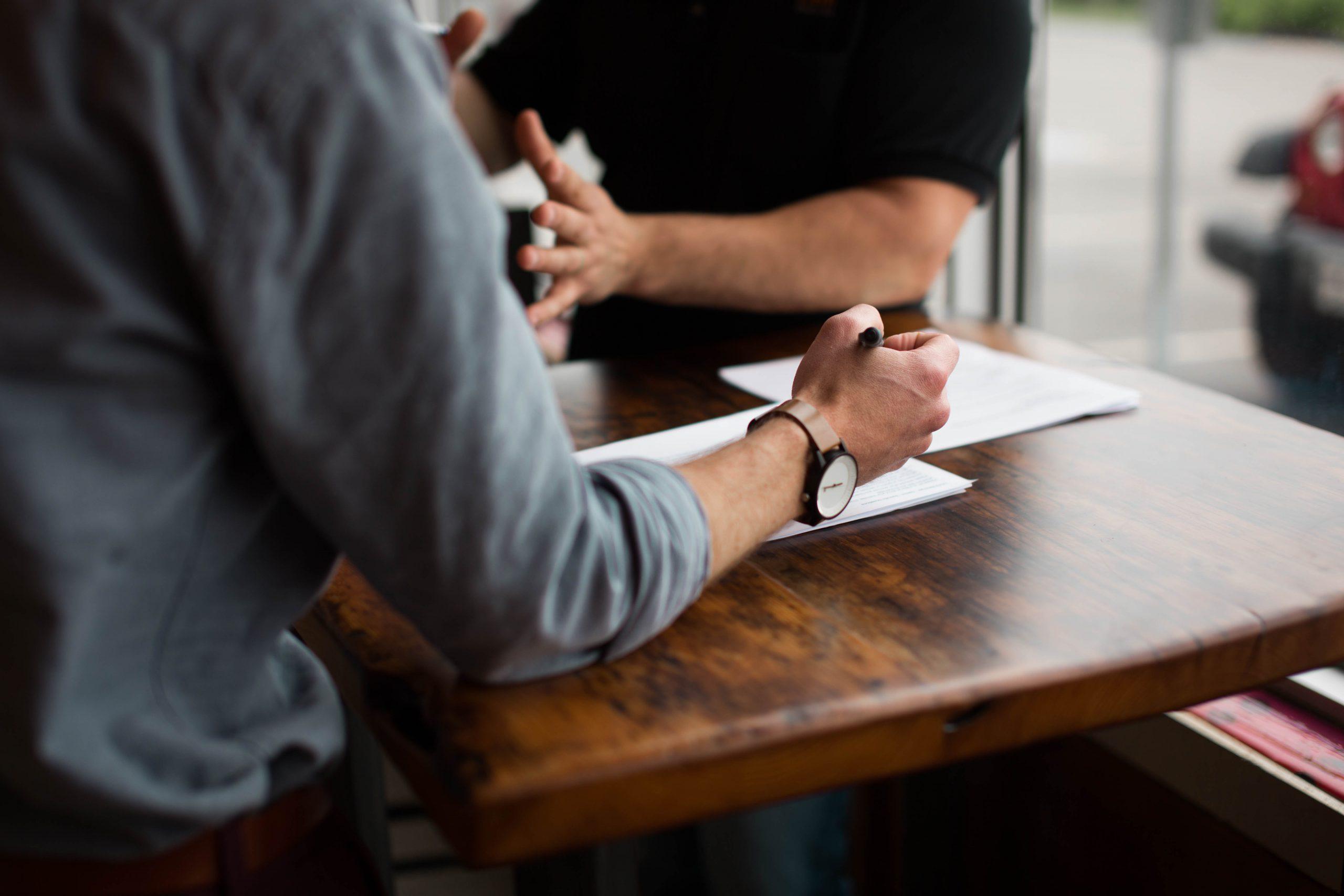 In onze ACT Coach opleiding leer je je de basisbeginselen van ACT eigen maken en ermee te werken. Het is een volwaardige coach opleiding.